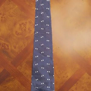 Brand New Ralph Lauren Tie. Medium Blue.